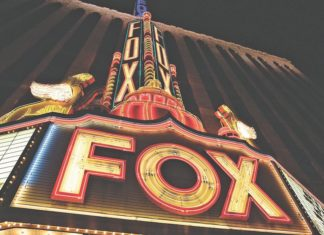 marquee of fox theatre in detroit